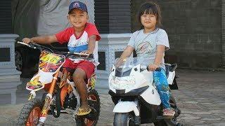 marsya nyobain motor trail dan moto gp mainan anak untuk anak cowok
