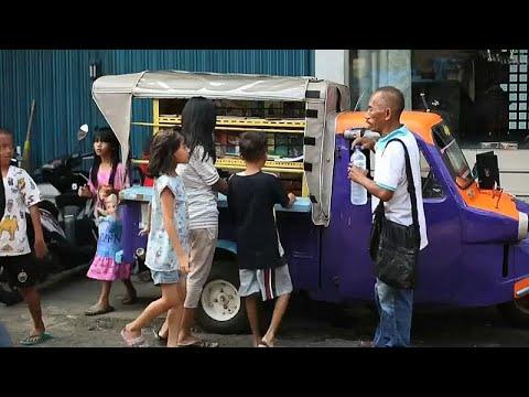 Ινδονησία: Κινητή παιδική βιβλιοθήκη σε…τρίκυκλο!
