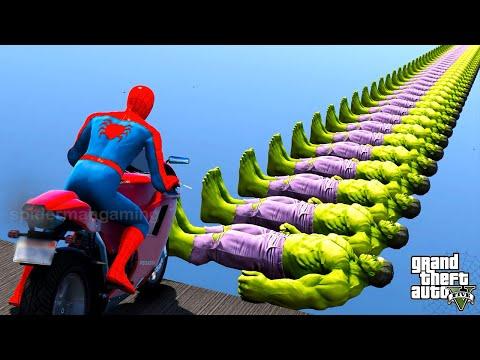 Spider-Man sur les motos Spiderman avec des super-héros et des obstacles de défi de moto -GTA 5 HULK