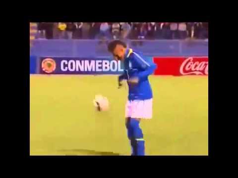Neymar cũng phải lác mắt chào thua