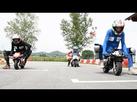 Download Video Rossi VS Marquez E Lorenzo - Moto GP