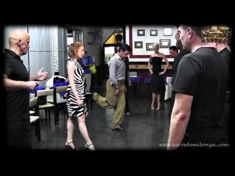 http://airesdemilonga.com/es/home/todos-los-videos/viewvideo/1278/clases/escuela-de-baile-del-tango-mecanica-natural-del-cuerpo-parte-1