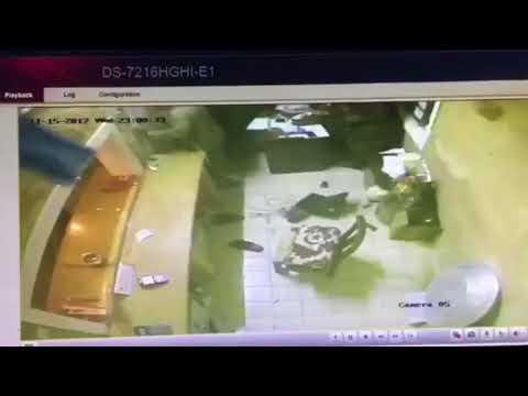 العرب اليوم - شاهد: سطو مسلح على مطعم في الرياض وسرقته