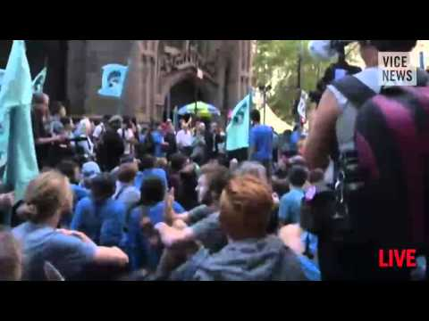 Street - Subscribe to VICE News here: http://bit.ly/Subscribe-to-VICE-News VICE News was live from lower Manhattan, where protesters took direct action on Wall Street in the name of bringing an end...