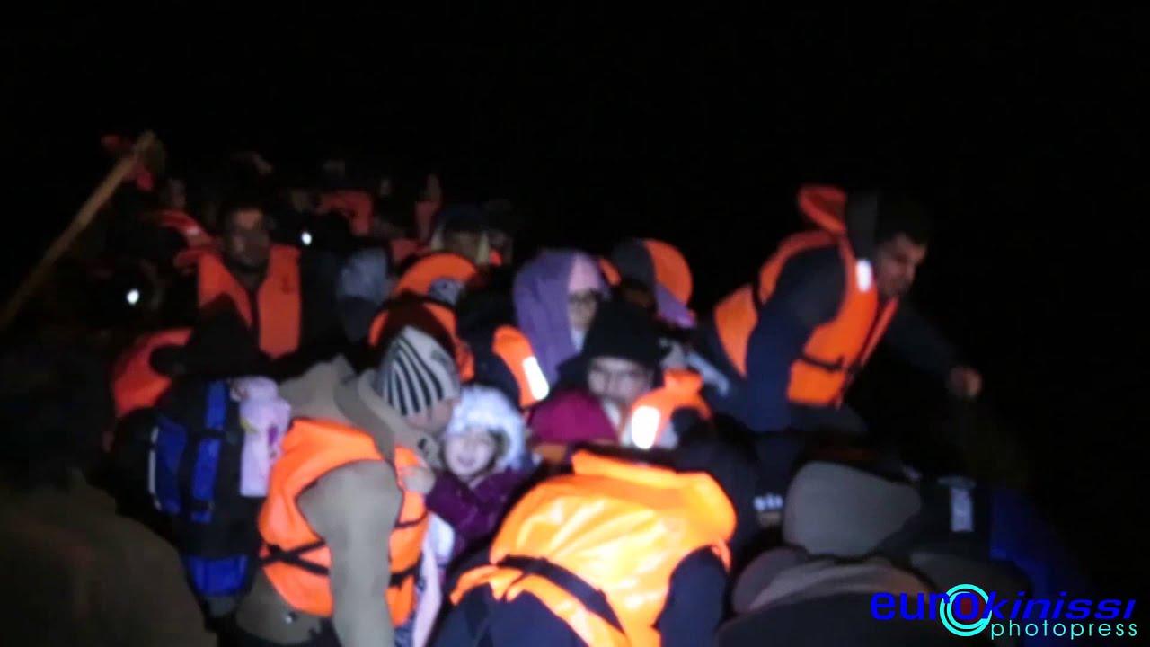 Διάσωση προσφύγων σε παραλία της Λέσβου