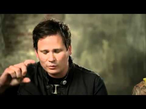 frownifdown - Tom DeLonge talking about the blink-182 Bunny at Honda Civic Tour interview.