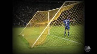 Na Fonte Nova, o Vitória empatou o clássico com gols de Petkovic e Agnaldo.