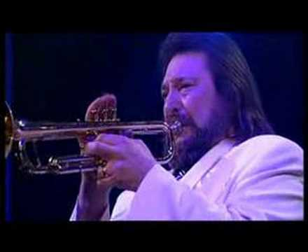 Findley. - Recorded in Germany during the James Last european tour 2002. An outstanding trumpetsolo performed by Chuck Findley.