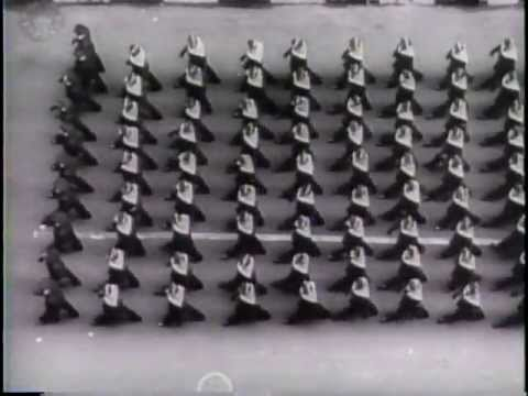 Französische Soldaten gewinnen Ovation der ersten US Parade (1943)
