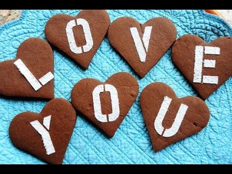 Khéo tay làm bánh tình yêu tặng vợ ngày 20 - 10