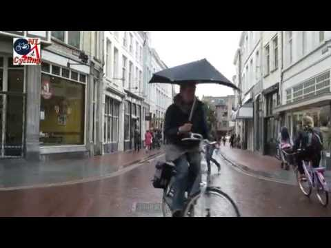 's Hertogenbosch - A little bit of rain in 's-Hertogenbosch aka Den Bosch in The Netherlands doesn't stop people cycling. More info: http://bicycledutch.wordpress.com/2014/09/0...