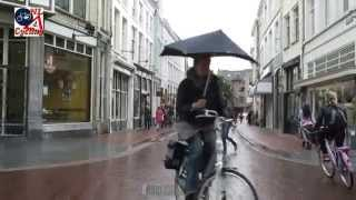 s-Hertogenbosch Netherlands  city photos gallery : Cycling in the rain, 's Hertogenbosch (Netherlands)