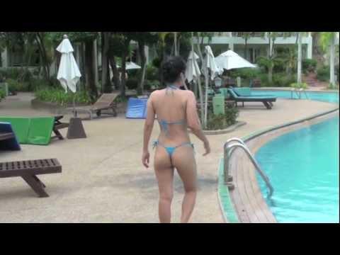 Asian in thong Bikini by the Pool (видео)