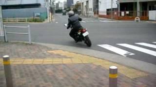 8. 2010/03/28 KAWASAKI KLX250 立ち去る