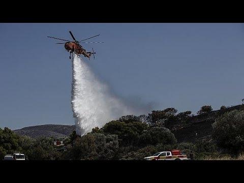 Ελλάδα: Τρεις τραυματίες από τη φωτιά στην Ανάβυσσο