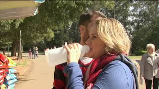 Lembra daquela recomendação que todo médico faz para a gente não esquecer de beber água? Nessa época de baixa umidade do ar e tempo seco em boa parte do país o conselho vale mais do que nunca.