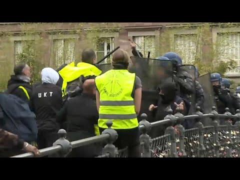Frankreich: »Gelbwesten«-Proteste mit Gewalt in Straß ...