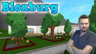 Mere Roblox Bloxburg ud, dudes! I dag begynder jeg på haven og mit pool-område og møder nogle fans, det bliver fedt! Læs mere om Roblox Bloxburg og spil ...