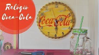 Relogio Coca-Cola VintageQue tal transformar uma forma de bolo em um relógio vintage da Coca-Cola?   Musica: Teu Nome Não - Som Bossa 3 Contatos Som Bossa 3: www.facebook.com/SomBossa3E-mail: joaoteixeiraviolao@gmail.comhttps://www.youtube.com/watch?v=5fNsDEm7Q5QPlaylist Relógios: https://www.youtube.com/playlist?list=PLjAVb545laYj_eiVQWJTqbHeWuJecRAO7Minha Caixa Postal:Caixa Postal: 76222 CEP:02737-970 São Paulo - SP Fabianno OliveiraQuer saber mais sobre meu trabalho? Sigam me nas Redes Sociais:FanPage: www.facebook.com/AtelieEcoDesignBlog: www.fabiannooliveira.blogspot.com.br/Facebook: www.facebook.com/OliveiraFabiannoInstagram: www.instagram.com/fabianno_oliveira/