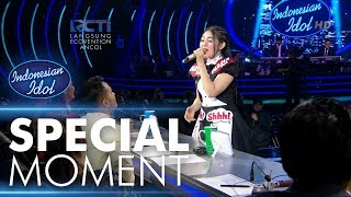 Video Via Vallen dapat Golden Ticket dari Bunda Maia! - RESULT & REUNION - Indonesian Idol 2018 MP3, 3GP, MP4, WEBM, AVI, FLV Mei 2018