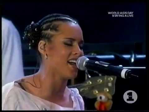 "Alicia Keys - ""Girlfriend"" Live At World AIDS Day"