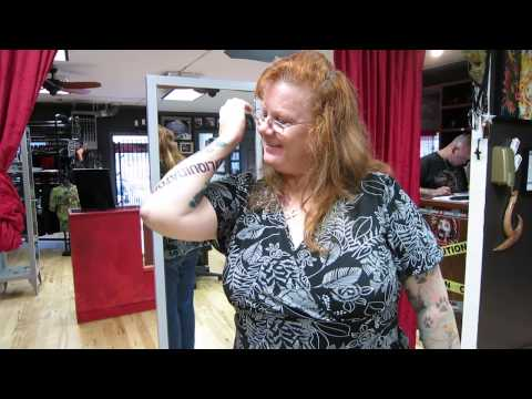 The Liquidator Web Exclusive: Fan Experience - Roseanne Gets a Tattoo