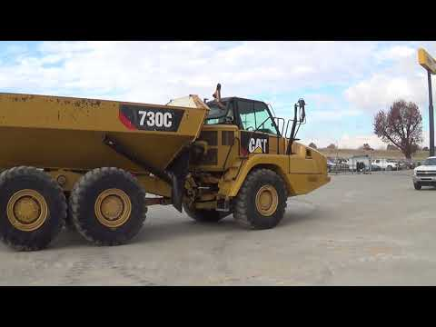 CATERPILLAR WOZIDŁA PRZEGUBOWE 730C equipment video nQZSaQBmIqY