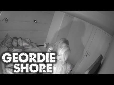 Geordie Shore Season 11 Charlotte And Chloe Lesbian Kiss For Gaz MTV