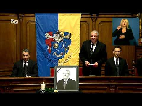 Rendkívüli közgyűlésen emlékezett meg ma reggel a képviselő-testület Almási István polgármester haláláról