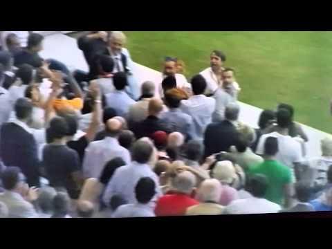 roma-cagliari: alessandro florenzi abbraccia la nonna dopo il gol