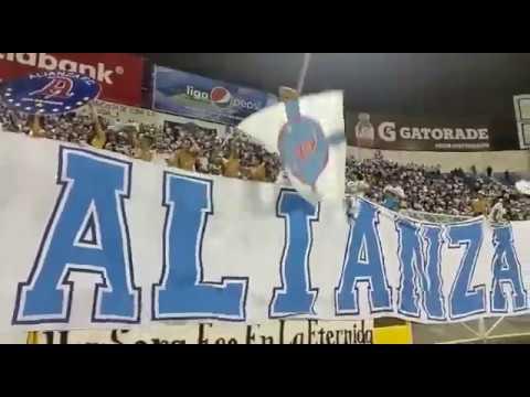 Alianza F.C y su hinchada cantando en el clásico del odio COMO NO TE VOY A QUERER. - La Ultra Blanca y Barra Brava 96 - Alianza