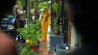 XxX Hot Indian SeX Hot Women In Yellow Saree .3gp mp4 Tamil Video