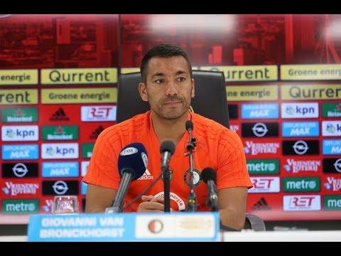 Van Bronckhorst blikt vooruit op duel met FC Twente