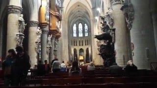 ¿Cómo es una inglesa en la ciudad de Brujas?. Vemos como es una de las tantas Iglesias históricas que hay en la ciudad Patrimonio de la Humanidad nos ofrece.