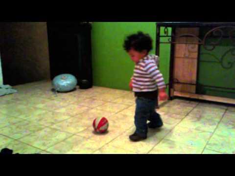 Traviezo poniendose casco 007 (видео)