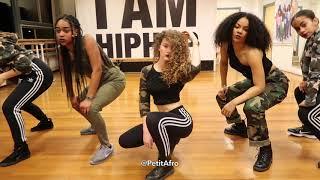 Video Petit Afro Presents - AfroDance Class Video || M.King - Afro Magic (Original Remix) MP3, 3GP, MP4, WEBM, AVI, FLV Mei 2019