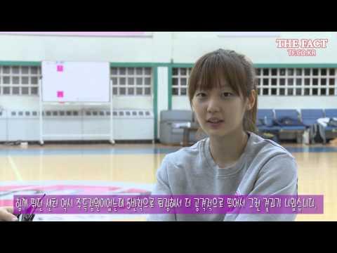 [TF영상] '농구 얼짱' 신지현 vs '분당 코비' 기자! '기막힌 1대1 대결'