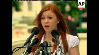 Video 14-year-old Kaitlyn Lassiter, who lost both legs in an amusement park accident last year, speaks abo MP3, 3GP, MP4, WEBM, AVI, FLV Juli 2018