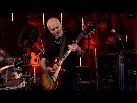 GuitarCenterTV - An exclusive clip of Peter Frampton performing