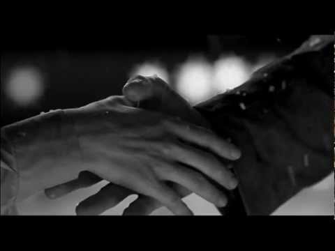 Immagine della canzone Qualcosa che non c'e di Elisa