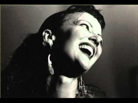 Tekst piosenki Bernadette Seacrest - Strange Fruit po polsku