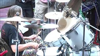 Nicko Mcbrain playing Iron Maiden songs at RNR Ribs 6th Anniversary Party December 2015