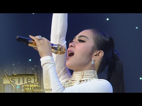 Video Syahrini ft DJ Una 'Seperti Itu' Opening [Silet Awards Silet Awards] [13th 26 Okt 2015] download in MP3, 3GP, MP4, WEBM, AVI, FLV January 2017