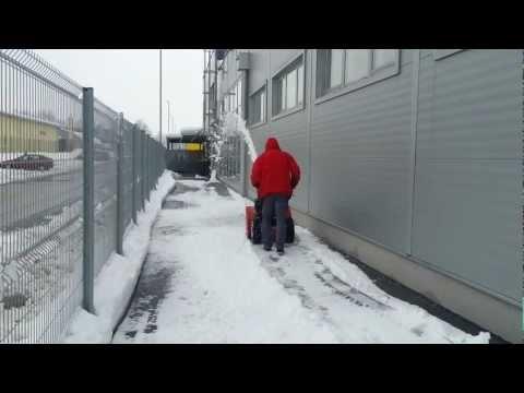 Delovanje snežne freze MTD ME76