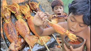 Video Primitive Technology - Grilled Squid on a rock - eating delicious MP3, 3GP, MP4, WEBM, AVI, FLV Januari 2019