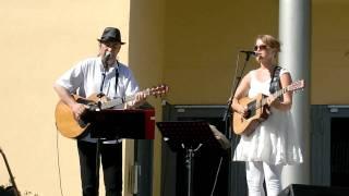 Download Lagu Steinar Albrigtsen og Monika Nordli,She belongs to the rain, (du er havet si datter) Mp3
