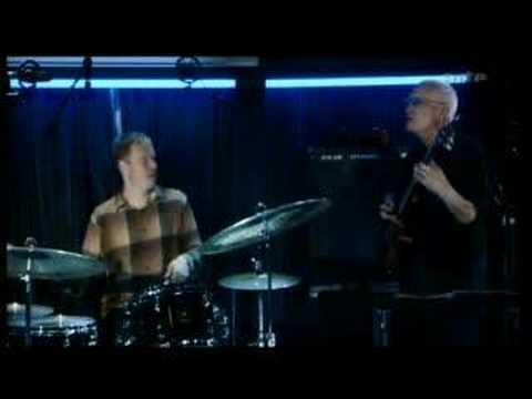 John Scofield Trio - Blue Note NYC. 2004 online metal music video by JOHN SCOFIELD