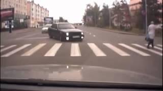 Jak się ma BMW to tak się pokonuje skrzyżowanie