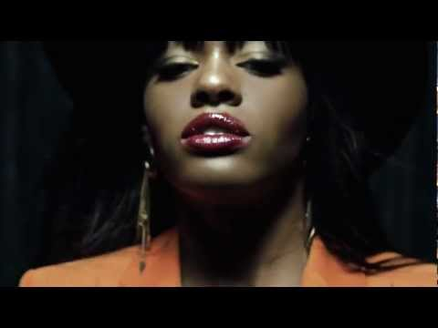 Azealia Banks - 'Van Vogue'