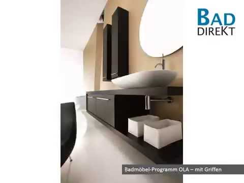 Waschplätze mit Auflagewaschtischen und Badmöbel